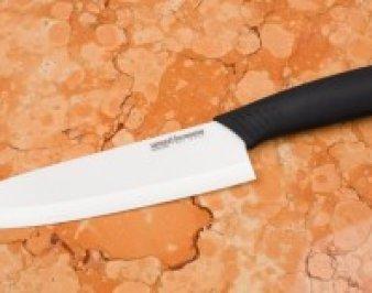 Рассмотрим несколько способов, как точить керамический нож дома