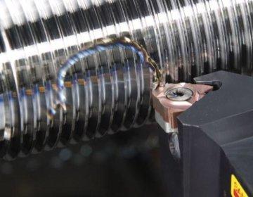 Клупп для нарезки резьбы на трубах: чем отличается от плашки?