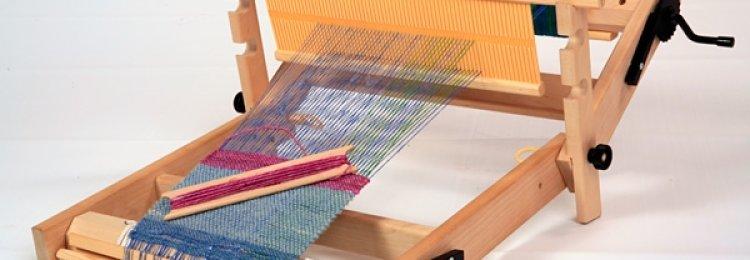 Маленький самодельный ткацкий станок