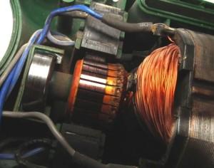 важно своевременно чистить электродвигатель