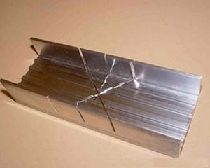 стусло из алюминиевого лотка
