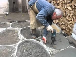 трамбовка бетона перфоратором