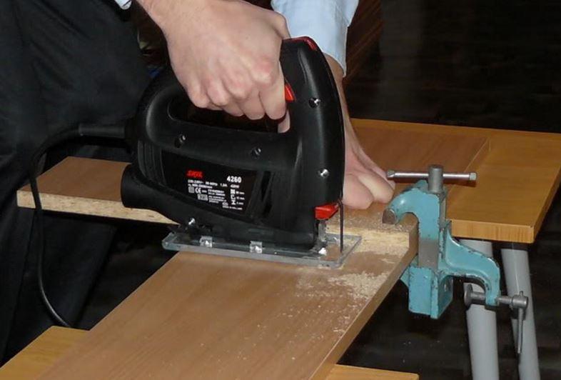 Как сделать каретку для дисковой пилы