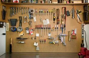 Хранение инструмента на стене своими руками