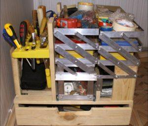 самодельный комбинированный ящик под инструмент из нескольких секций