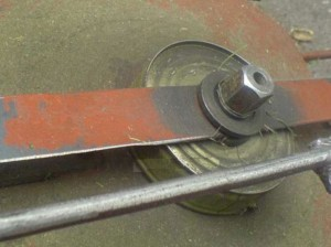 крепление ножа газонокосилки