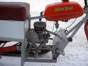 рама и мотор от мопеда
