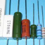 набор различных резисторов