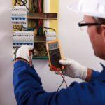 измерение напряжения в электрошкафу