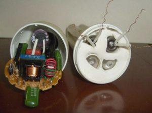 конденсатор энергосберегающей лампы