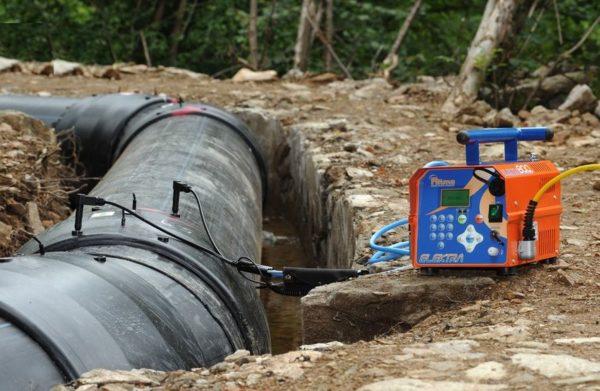 применение электросварной муфты в трубах большого диаметра