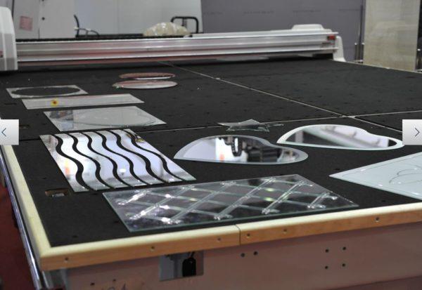 станок для резки стекла с ЧПУ