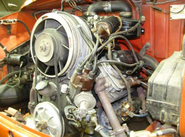 Автомобильный мотор