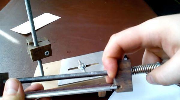 Приспособление для заточки фуговальных ножей своими руками
