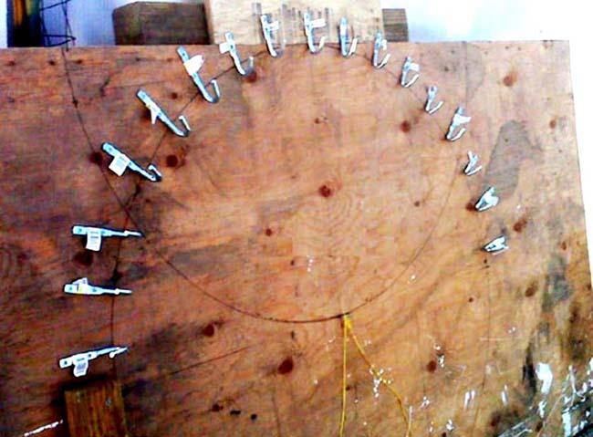 шаблон из точечных фиксаторов для гибки труб