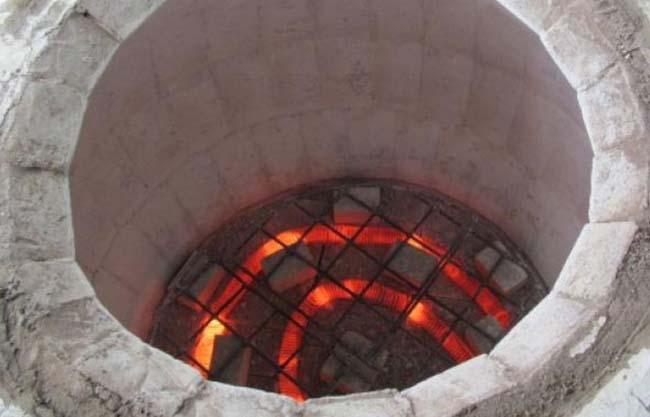 каменная коптильня со встроенной электроспиралью