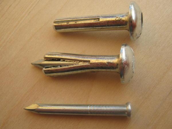 металлический дюбель-гвоздь