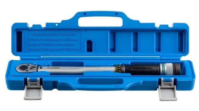 динамометрический ключ в пластиковом чехле