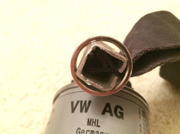 на трубу одеваем кольцо с лентой