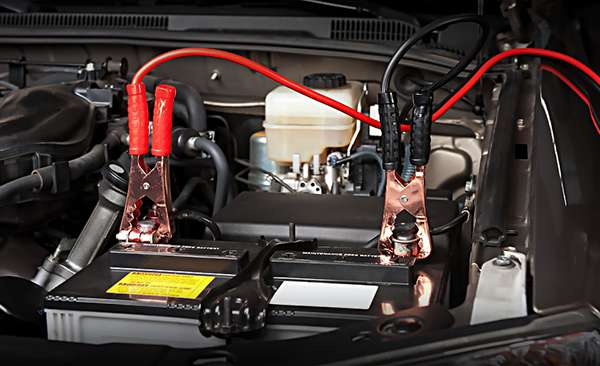 заряжаем аккумулятор автомобиля