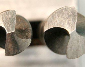 Как заточить сверло по металлу и какие углы заточки бывают?
