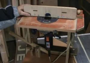 Самодельный лифт для фрезера из деревянных брусков
