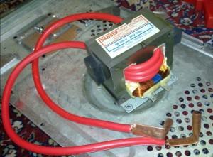 Вторичная обмотка из медного провода диаметром 10мм