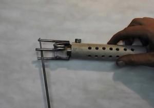 Держатель - трезубец, с пружинным механизмом