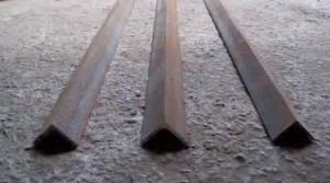 металлический уголок