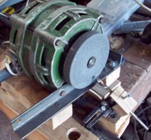 деревянное приспособление для заточки сверл