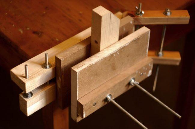 деревянные самодельные тиски