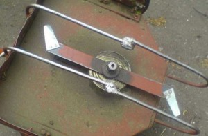 заточенный нож бензокосилки