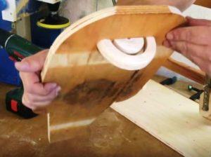 делаем рабочий стол с поворотным механизмом