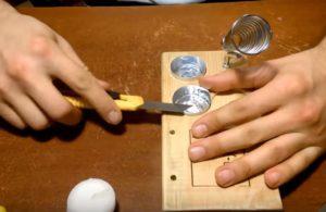 закрепляем стаканчики для припоя