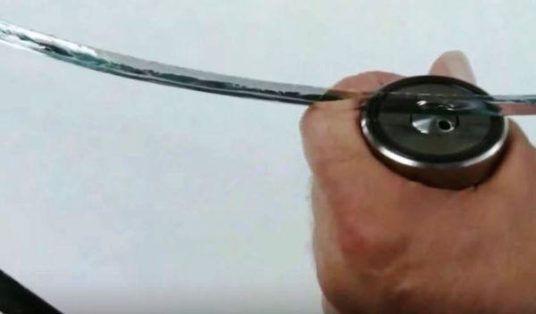 специальный молоточек для простукивания стекла