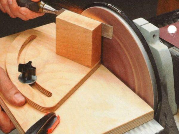 приспособление для заточки ножей рубанка