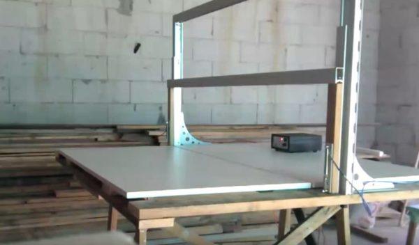стол для раскройки пенопласта