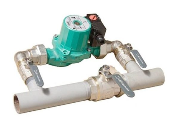 установленный насос в систему отопления