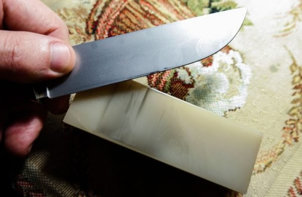 доводка ножа на бархатном камне