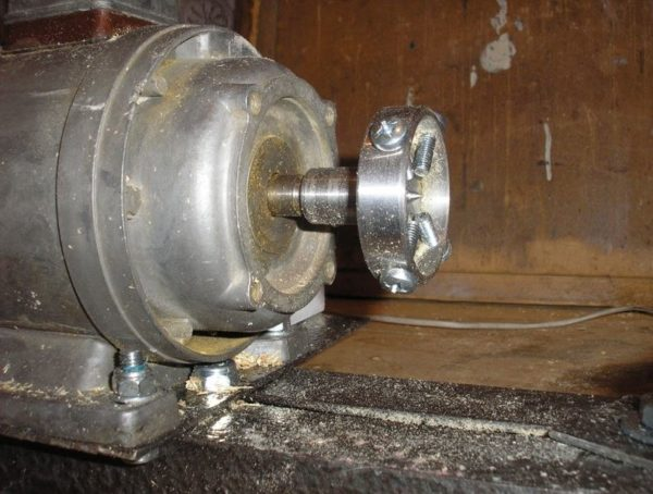 фиксатор на валу электродвигателя
