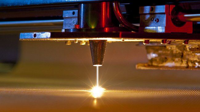 стеклянный лазерный излучатель