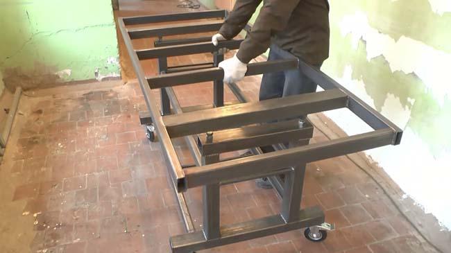 составляем верхнюю и нижнюю части стола