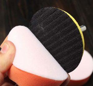 сменный диск держится на насадке с помощью липучки